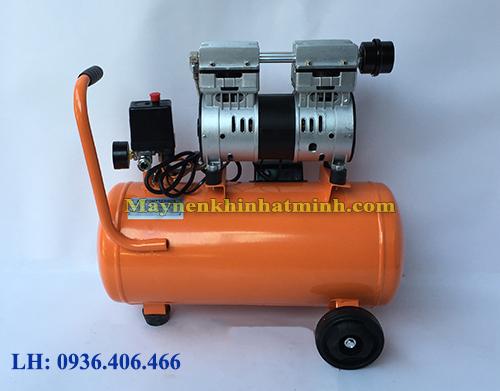 Mặt sau máy nén khí mini không dầu 30lit