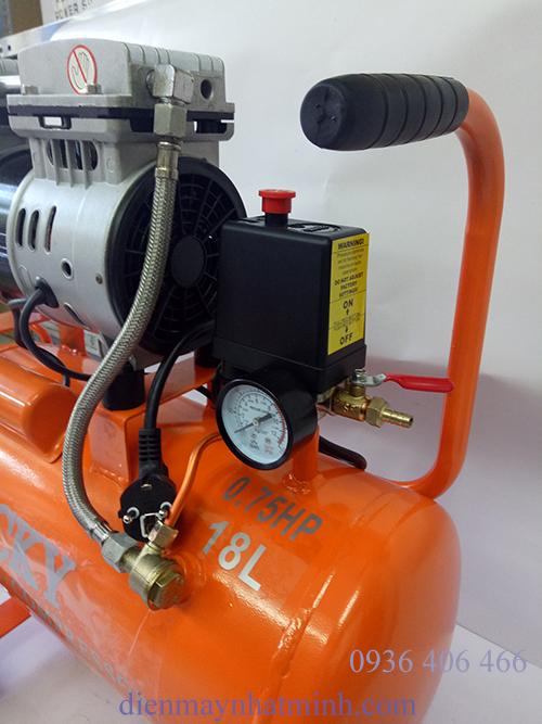 máy nén khí mini không dầu 18