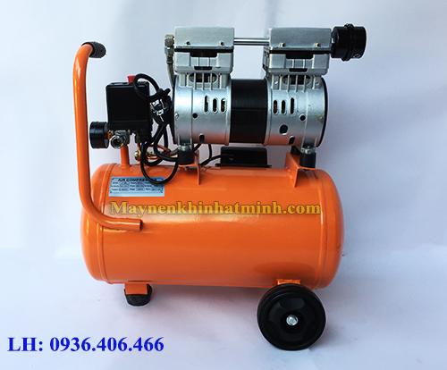 Mặt sau máy nén khí mini không dầu 1hp 18lit