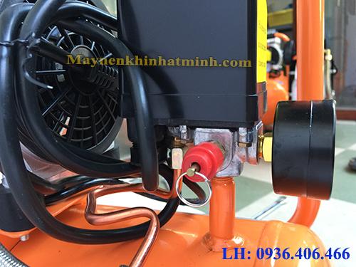 máy nén khí mini 30lit không dầu