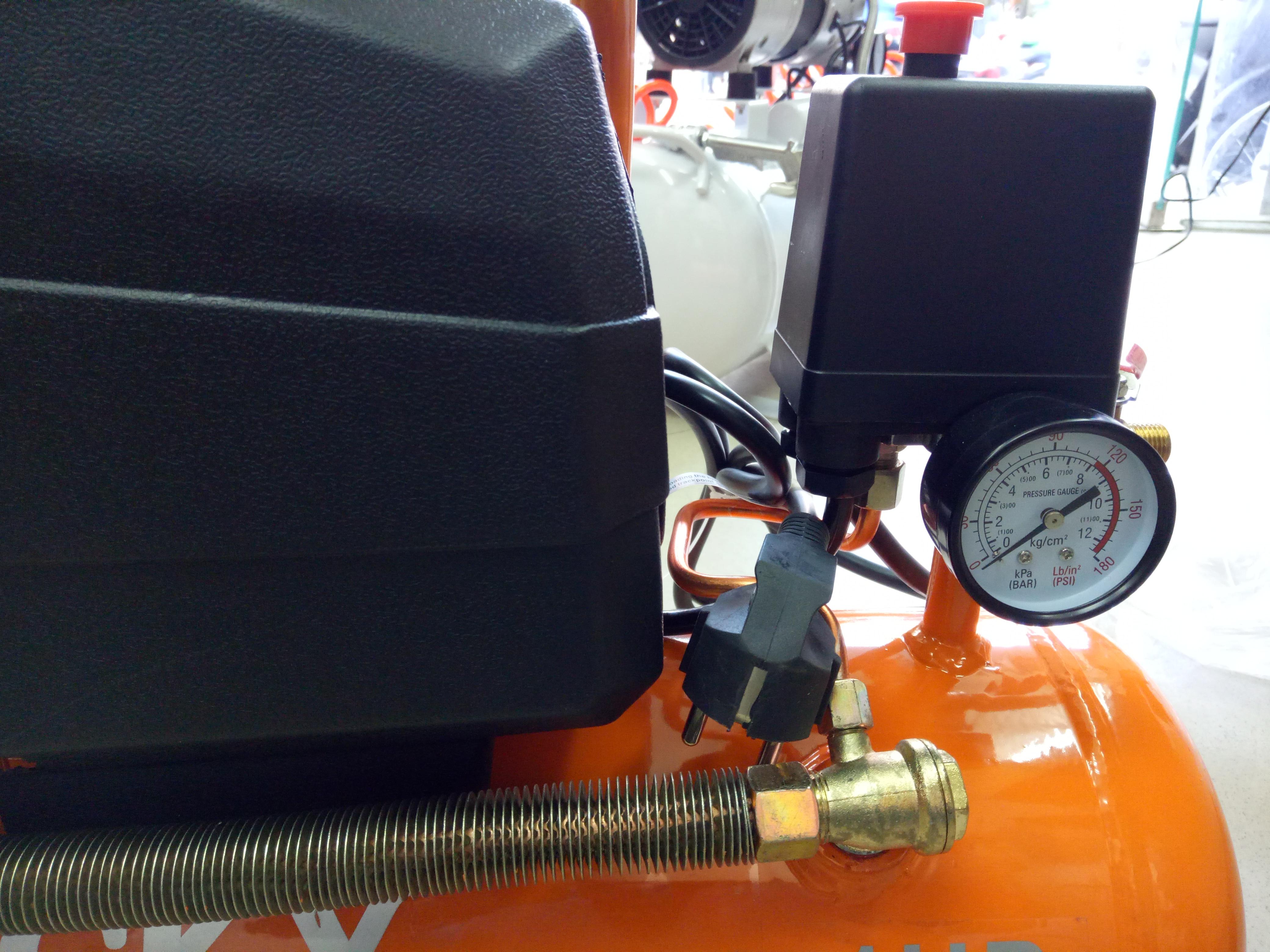 đồng hồ máy nén khí mini 9lit