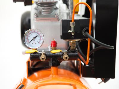 Đồng hồ áp, chốt an toàn, van xả khí và các bộ phận khác