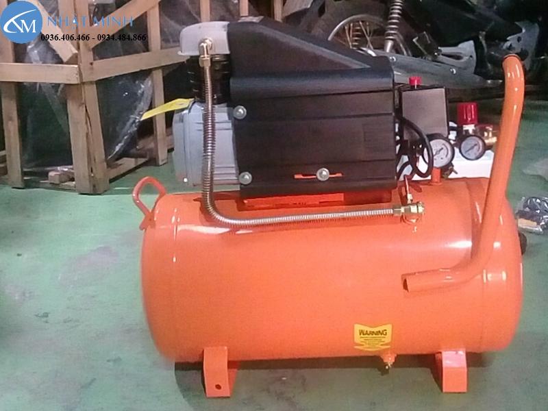 Mặt sau máy nén khí mini 50 lít 2Hp Lucky H50A chính hãng giá rẻ